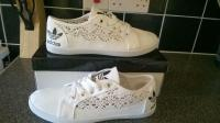 Womens adidas pumps Buy, sale and trade ads - great prices