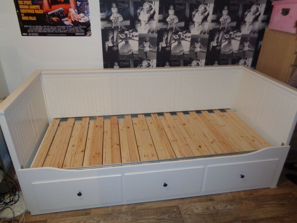 Ikea hemnes pull out day bed Buy sale and trade ads