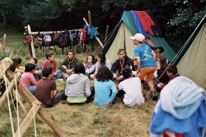 Reunión Escultas campamento 2011