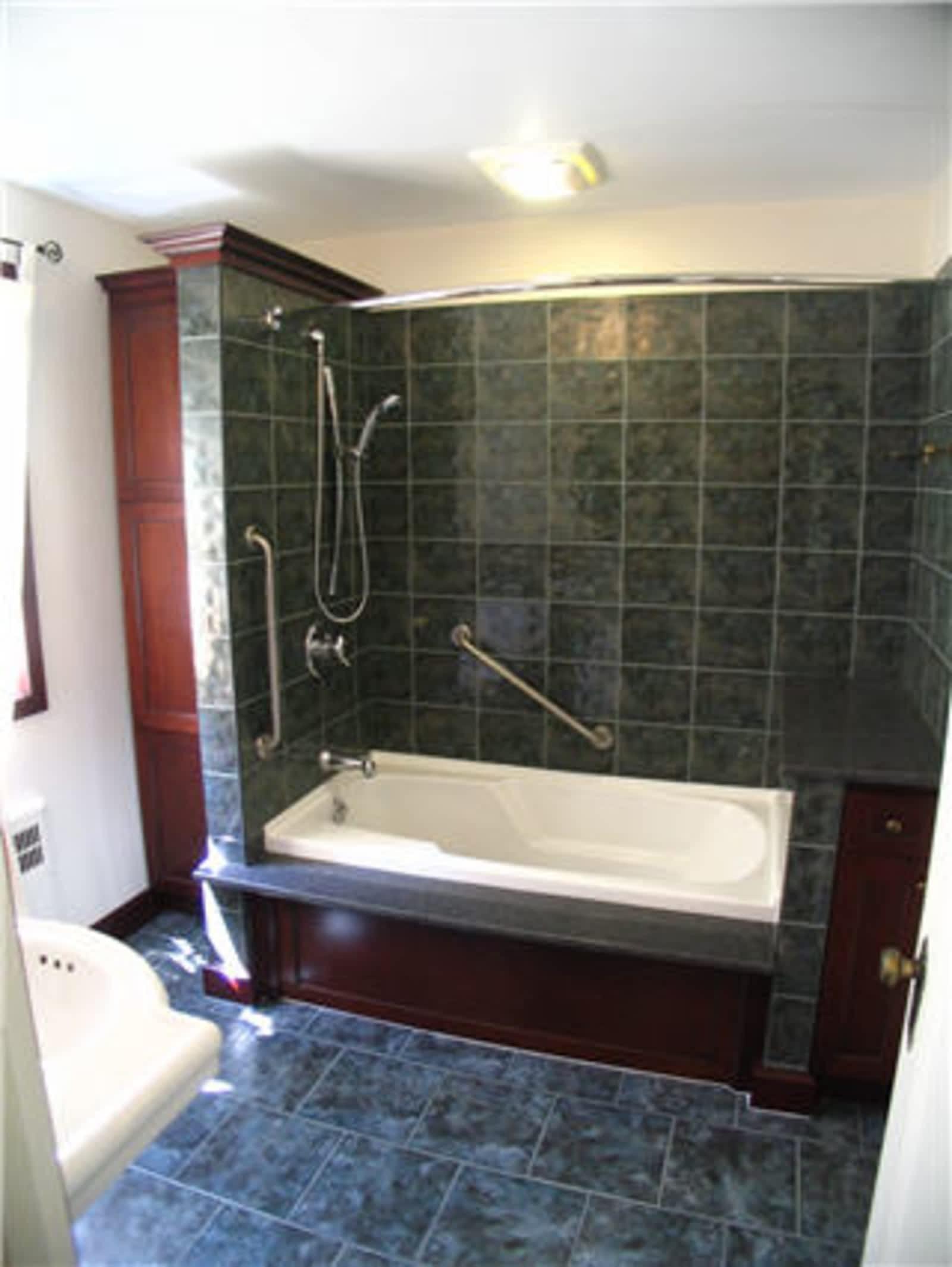 kitchen bath design tiny house appliances mckerlie centre opening hours 110 kendall st point edward on