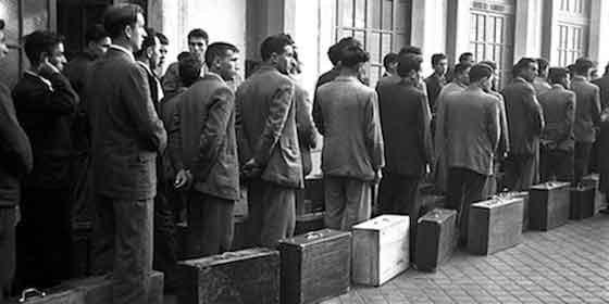dos emigración 60 años Manipulación de políticas sociales Reflexiones sobre la miseria económica a que nos avocan las élites