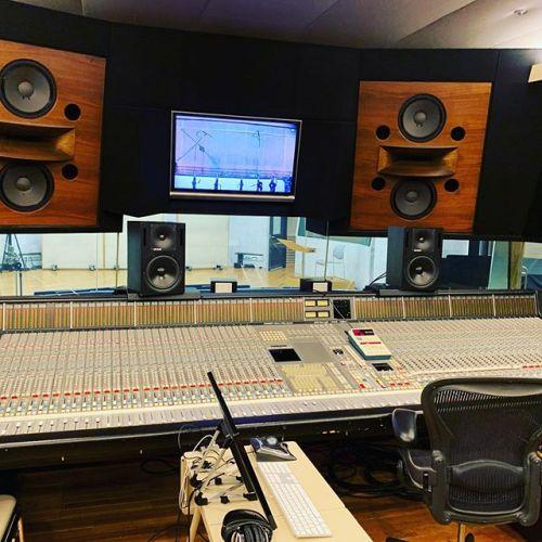 良く使っているレコーディングスタジオ!SoundCityー!!これから始まるプロジェクトのための準備で来ています!#レコーディング #撮影 #スタジオ #音楽 #ドラマ撮影 #ドラマ