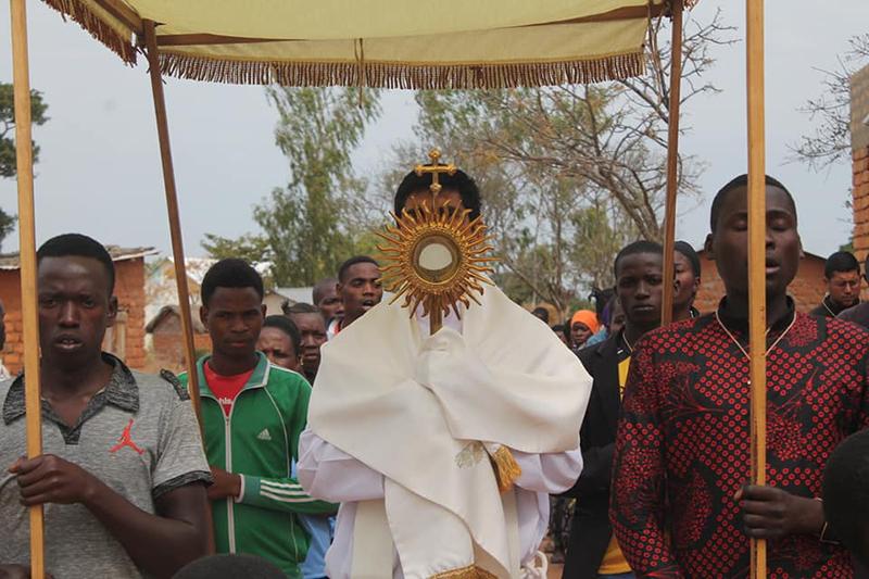 Tanzania – Misiones Populares – Eucaristia