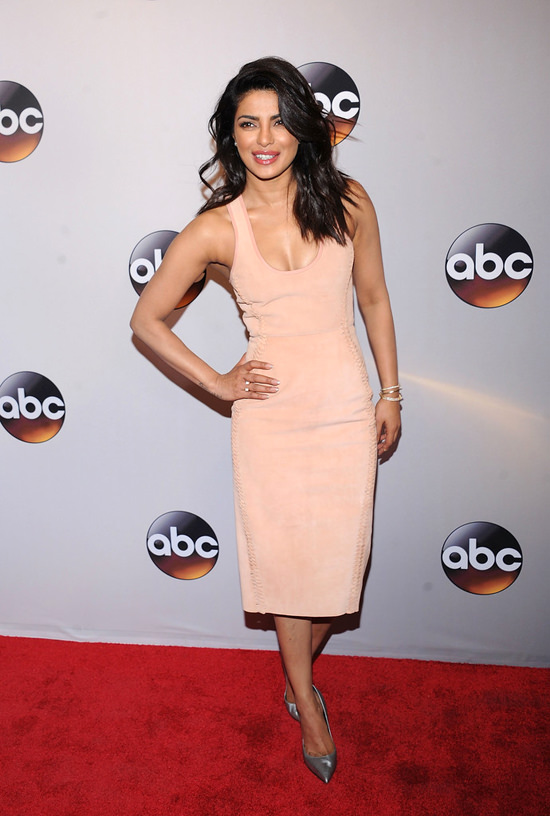 Priyanka-Chopra-2016-ABC-Upfront-Red-Carpet-Fashion-Dion-Lee-Tom-Lorenzo-Site-2