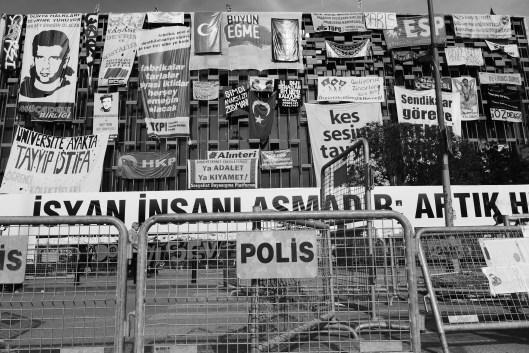 Pinterest 1.0: Das Atatürk-Kulturhaus sollte ebenfalls abgerissen werden – keine gute Idee meinen die Protestanten