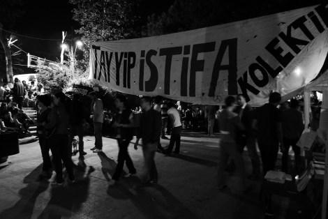 """TAYYIP ISTIFA"": Tayyip (Erdogan) tritt zurück!"
