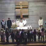 Um den Altar