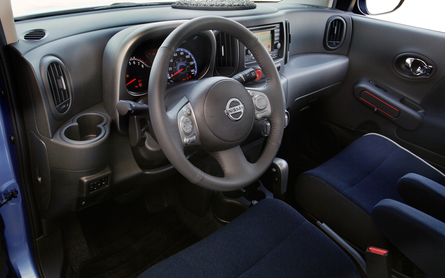 hight resolution of 2012 nissan cube interior view