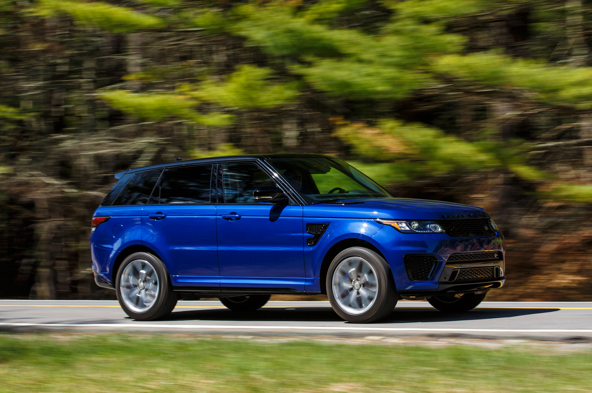 Report Range Rover Considering All Electric SUV