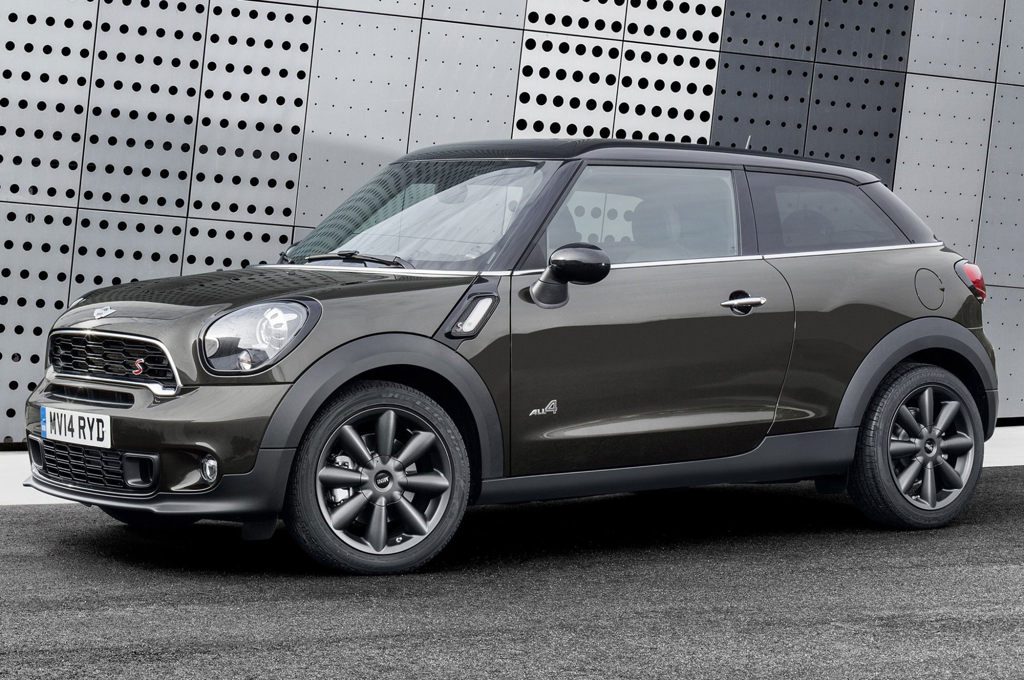 hight resolution of 2015 mini paceman side front view 2