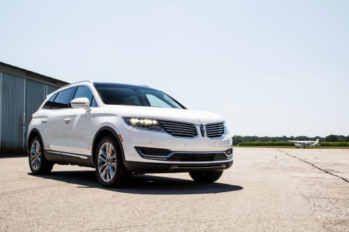small resolution of 2016 lincoln mkx front three quarter 04