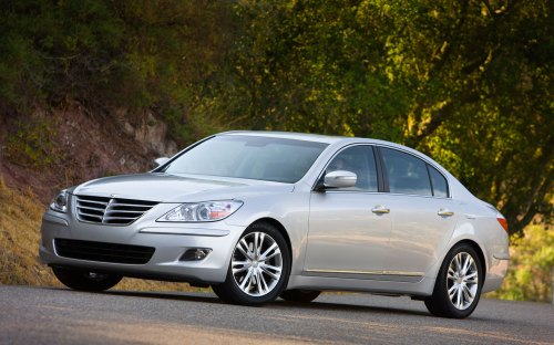 small resolution of it s been about a year since the 2009 hyundai genesis