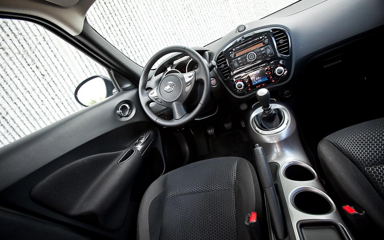 2011 Nissan Juke SV FWD MT  Four Seasons Introduction