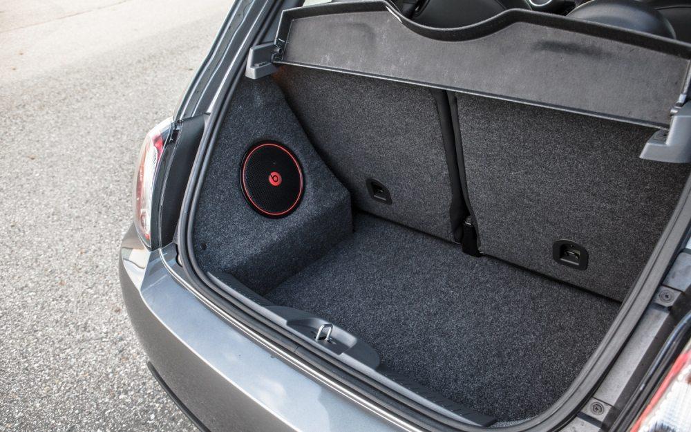medium resolution of  2013 fiat 500 turbo trunk fiat 500 interior trunk locate interior fuse box and remove cover