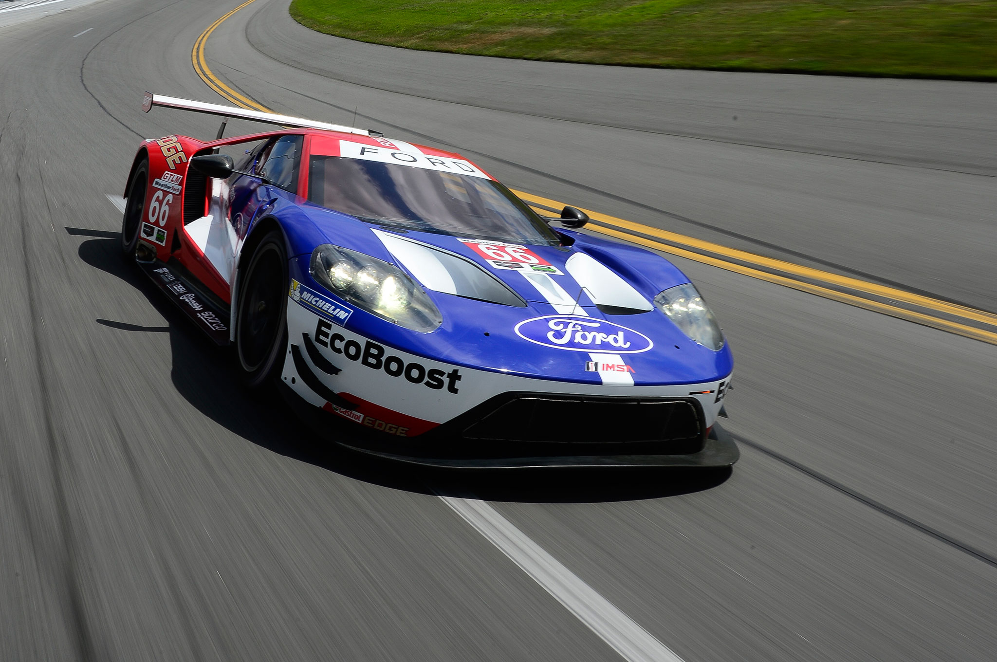 Ford Mustang Race Car Wallpaper Chasing History The New Ford Gt Goes Racing