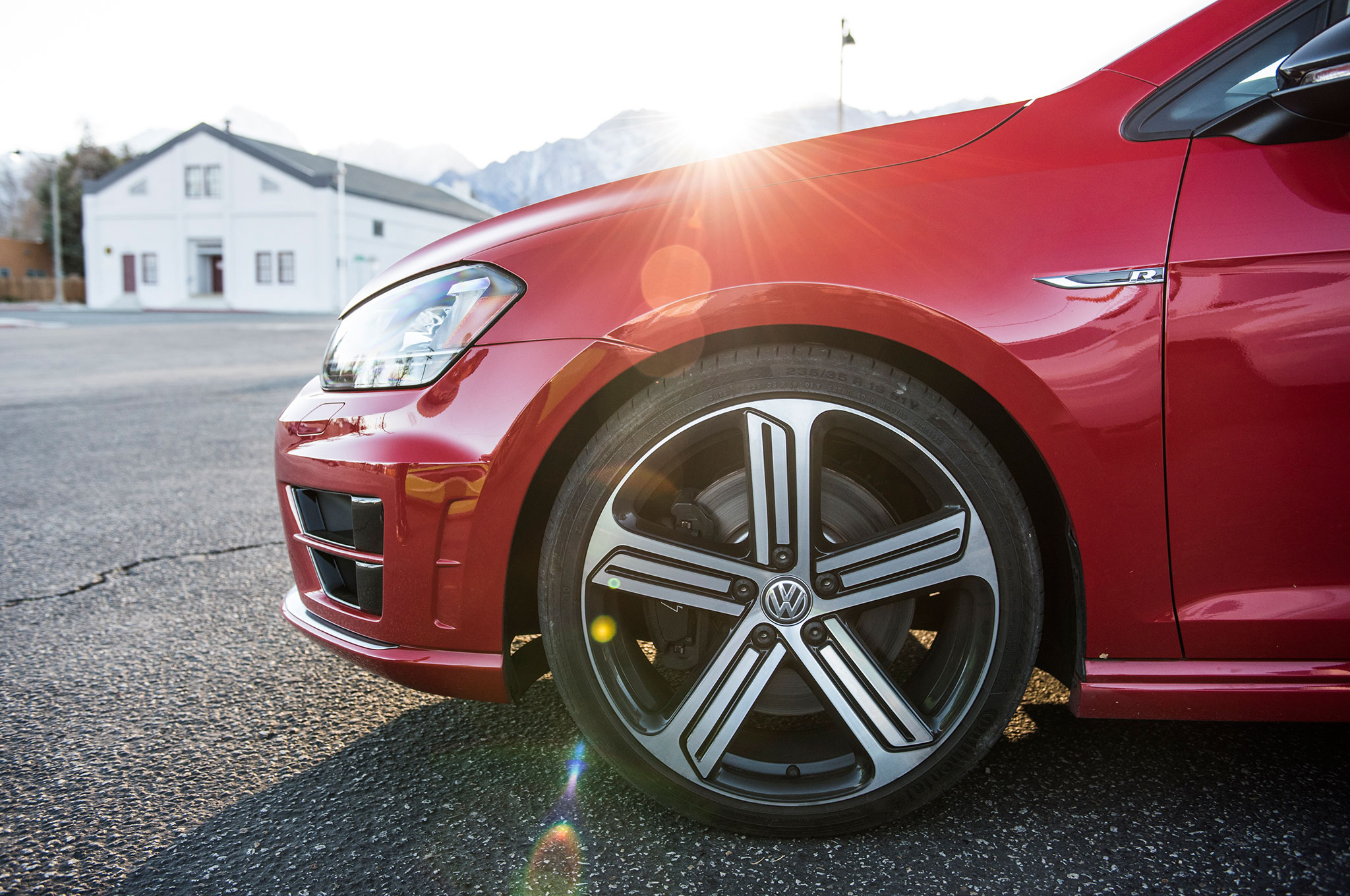 Volkswagen Golf R wheel 01