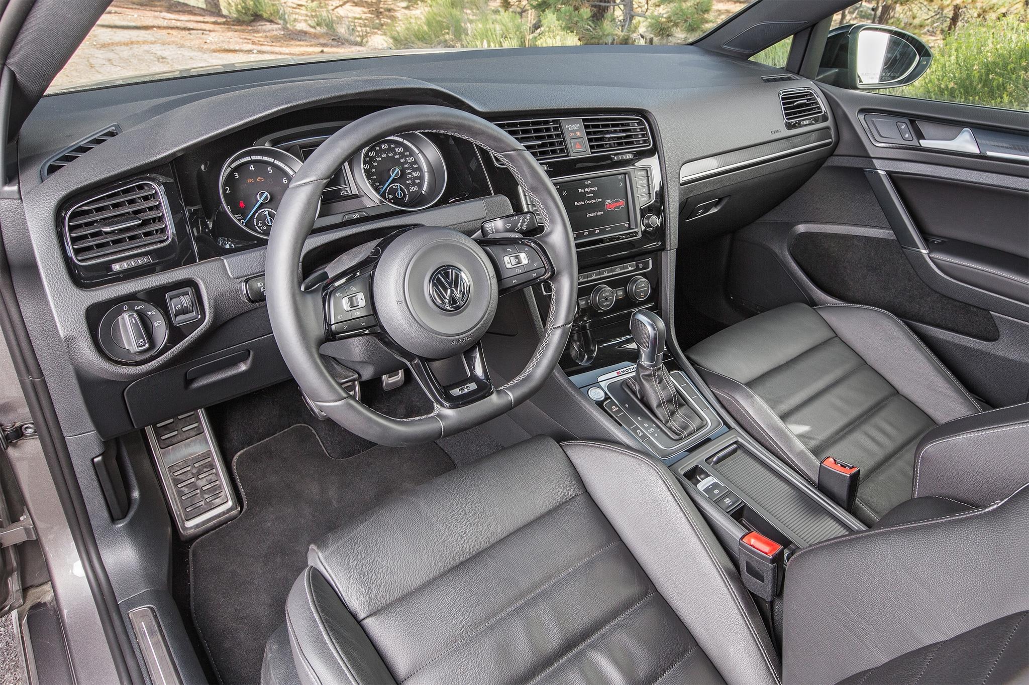 2016 Volkswagen Golf R cabin