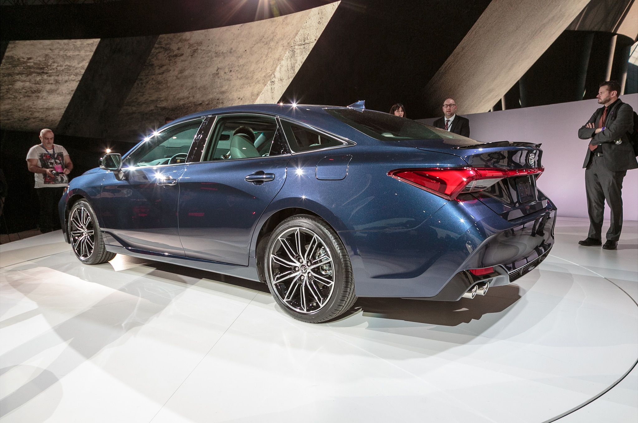 all new camry 2019 indonesia grand avanza type e 2017 four things to love about the toyota avalon