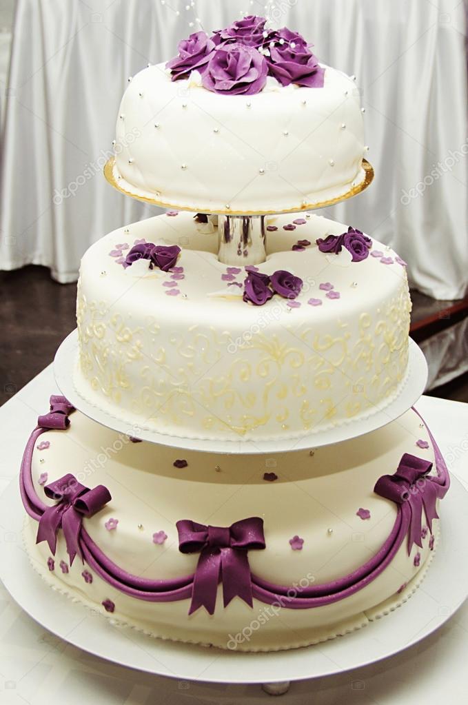 biay tort weselny z detal fioletowy kwiat  Zdjcie
