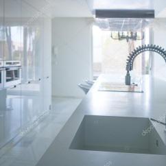 Kitchen Benches Bench Seating 现代白色的厨房视角与综合的长椅上 图库照片 C Tono Balaguer 39743941