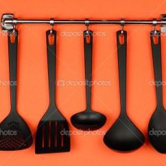 Black Kitchen Appliances Whitewashed Cabinets 关于银钩 橙色背景上的黑色厨房用具 图库照片 C Belchonock 31784659