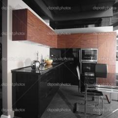 European Kitchens Best Kitchen Water Filter System 现代欧洲厨房的内部 图库照片 C Fiphoto 45234961