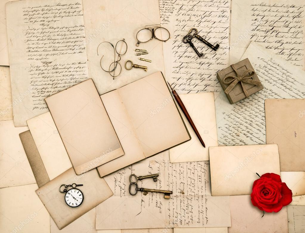 Old Love Letters, Vintage Accessories, Red Rose Flower — Stock Photo
