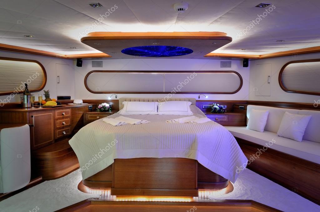 Schlafzimmer LuxusYacht  Stockfoto  enisu 34816385