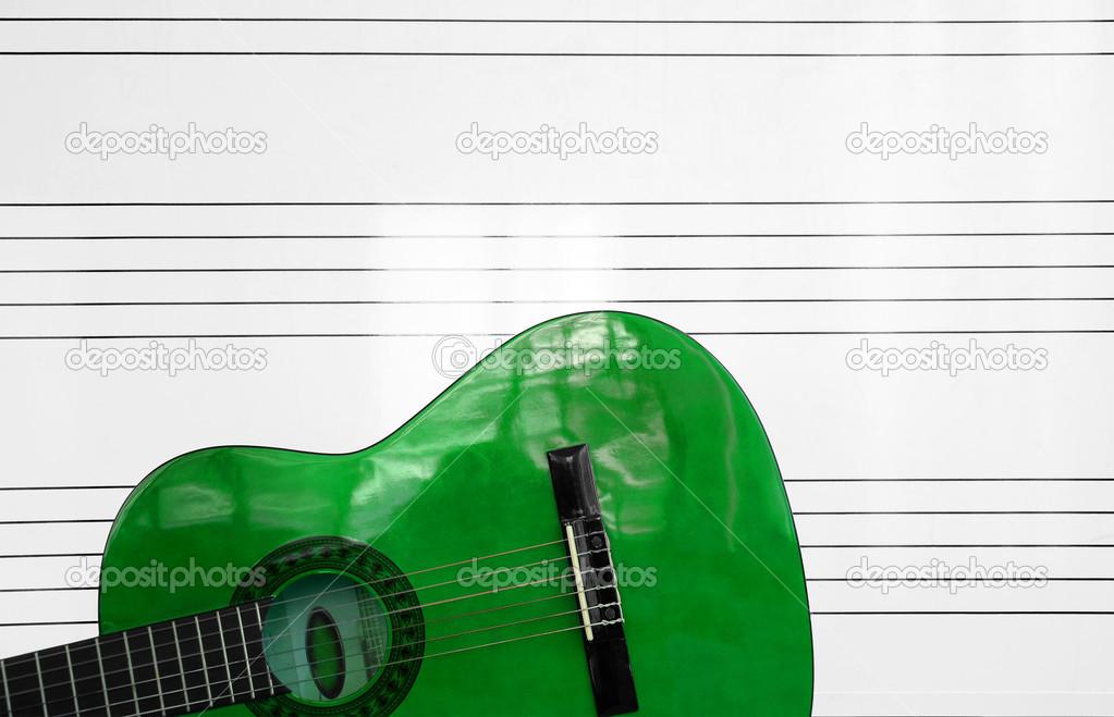 Resultado de imagen para guitarra acustica verde