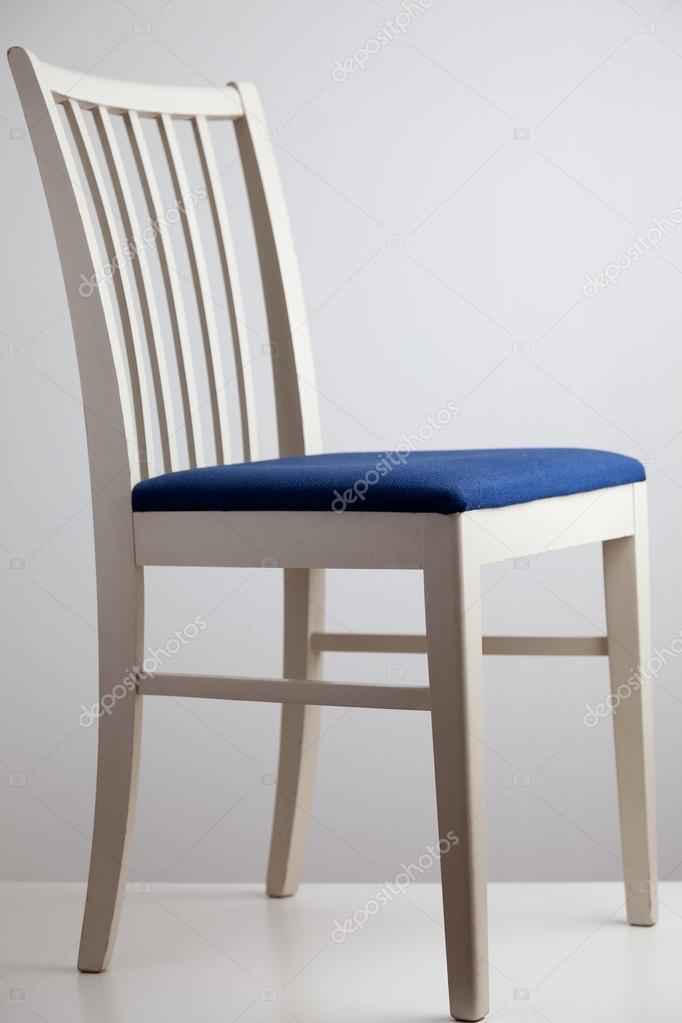 chairs for kitchen floating island 厨房的椅子上 图库照片 c martinsar 36833829