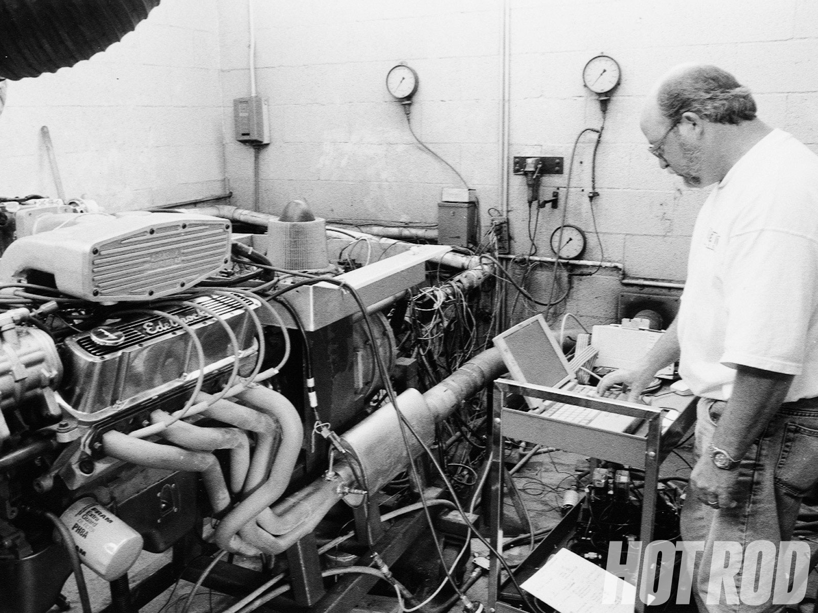 hight resolution of hrdp 9812 01 o ford 351w small block with efi engine on the dyno