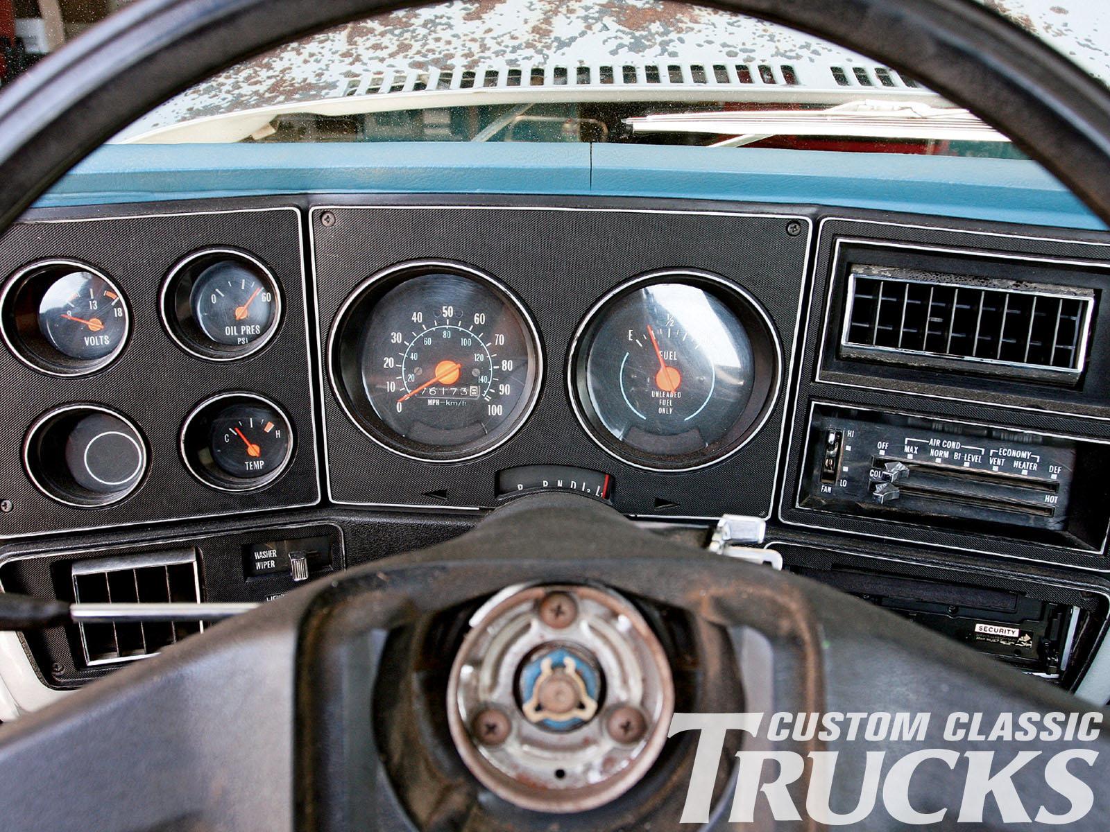 1985 Chevy Truck Gauge Cluster