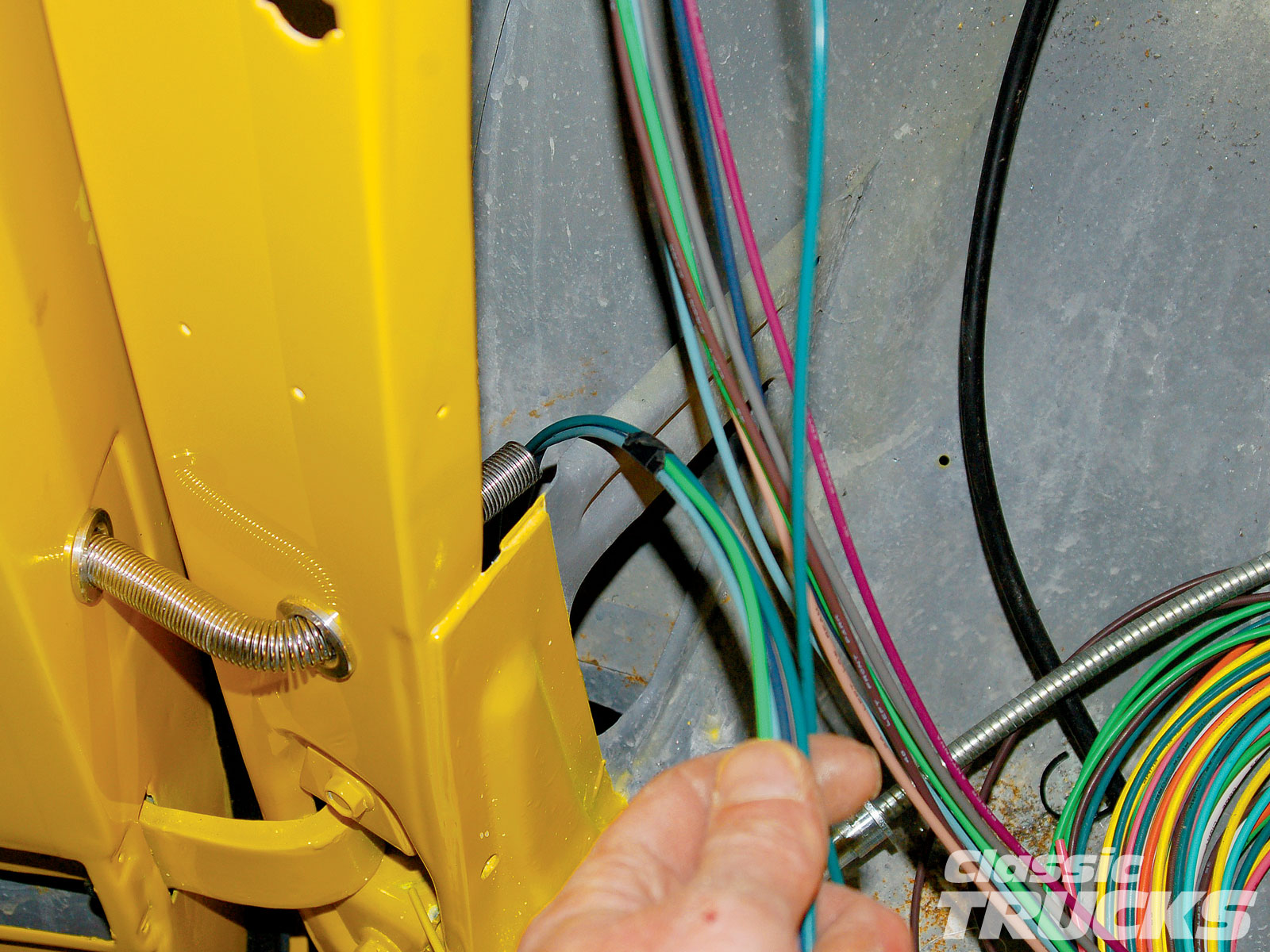 hight resolution of 337895 22 aftermarket wiring harness install hot rod network 337895 22 55 chevy door jam