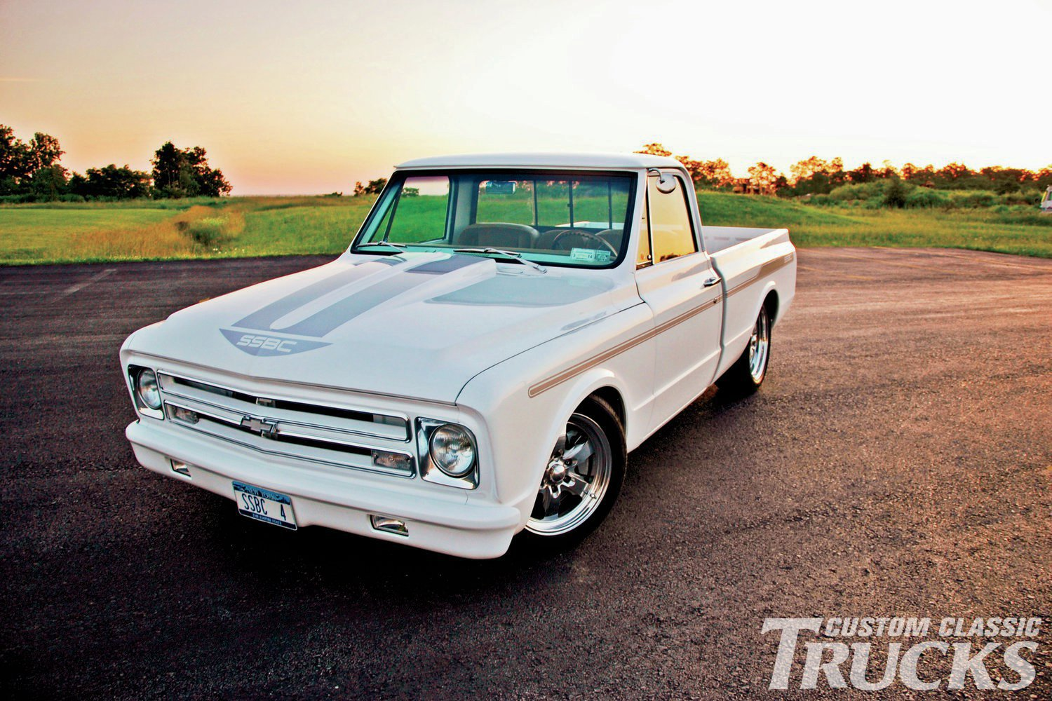 hight resolution of 1970 chevy c10 front three quarter