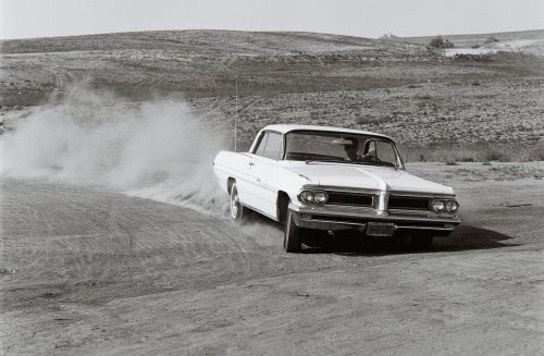 small resolution of 1962 pontiac grand prix front in motion
