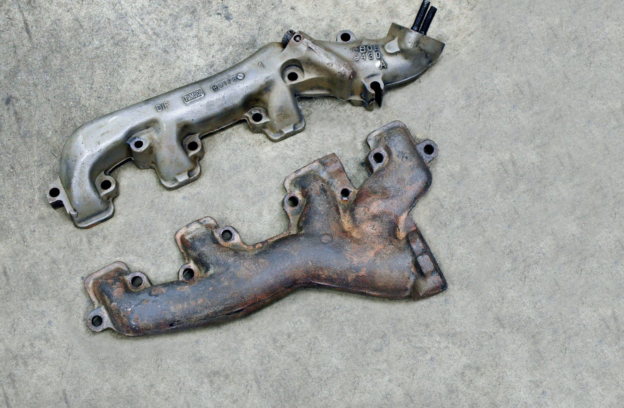 hight resolution of dimensionally identical to the shelby 428 the 390 mustang exhaust manifolds were used on all 67 g t 500s except for three cars ordered with the 427 side