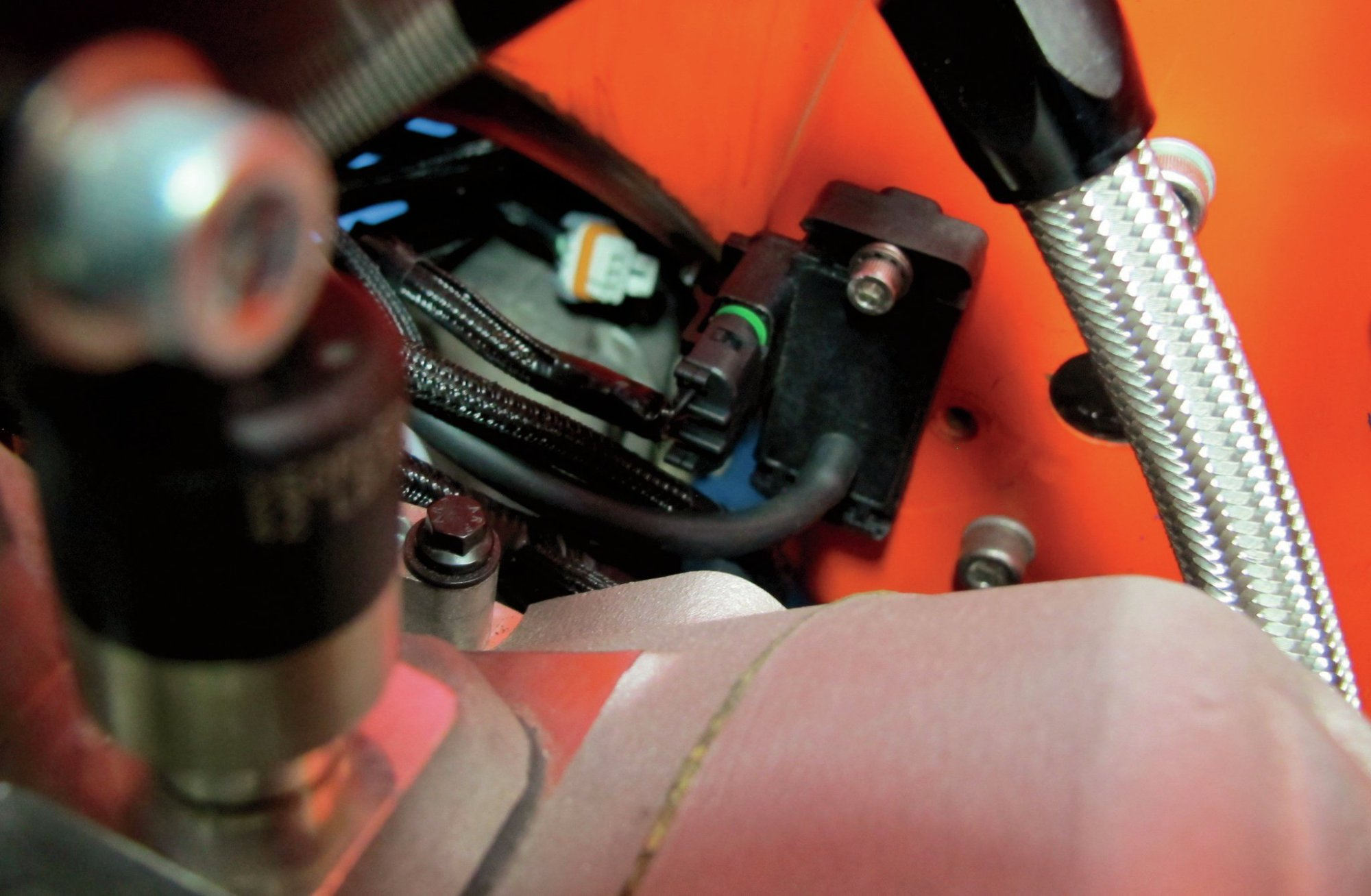 hight resolution of  taking a look at what makes an ls engine tick hot rod network sv 1 000 gm map sensor