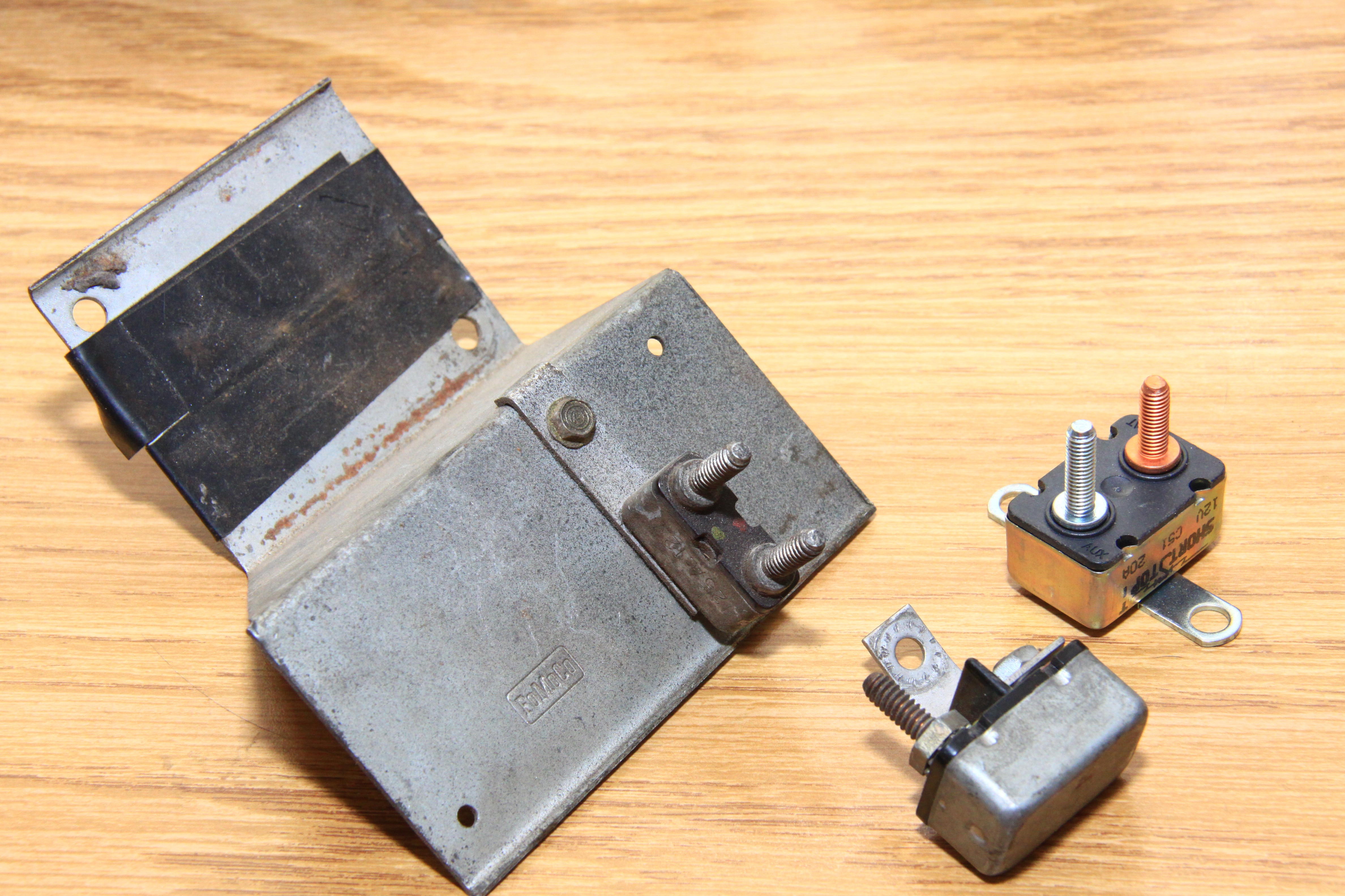 Amp Mustang Convertible Top Switch And Circuit Breaker 1965