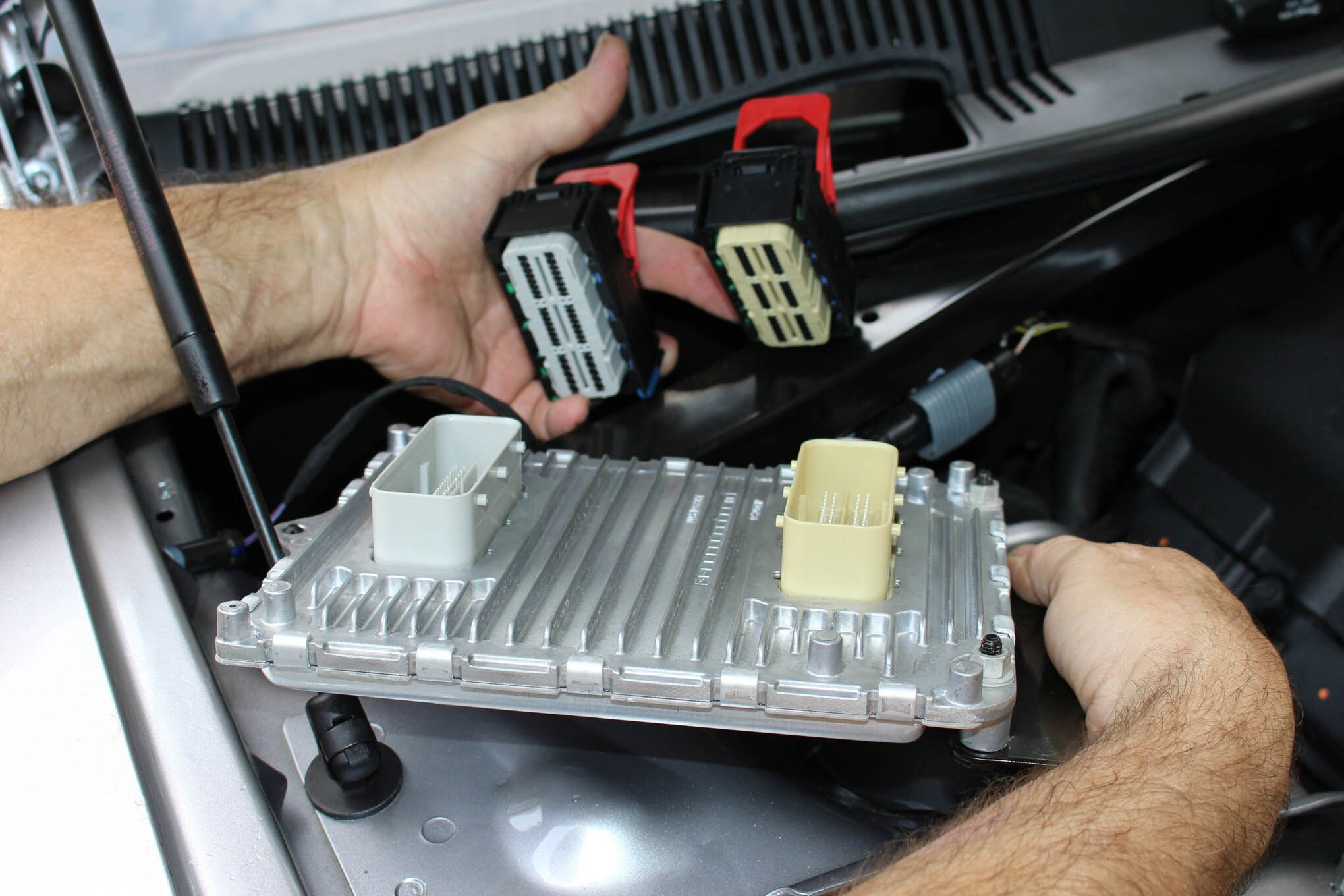 Ram Fuse Diagram Using Diablosport S Tuner To Boost Power On A 2015 Scat