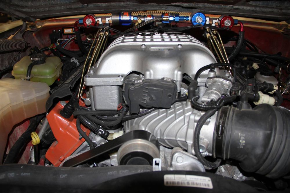 medium resolution of the engine shot of general mayhem shows the expected hellcat setup with stock coolant surge tank