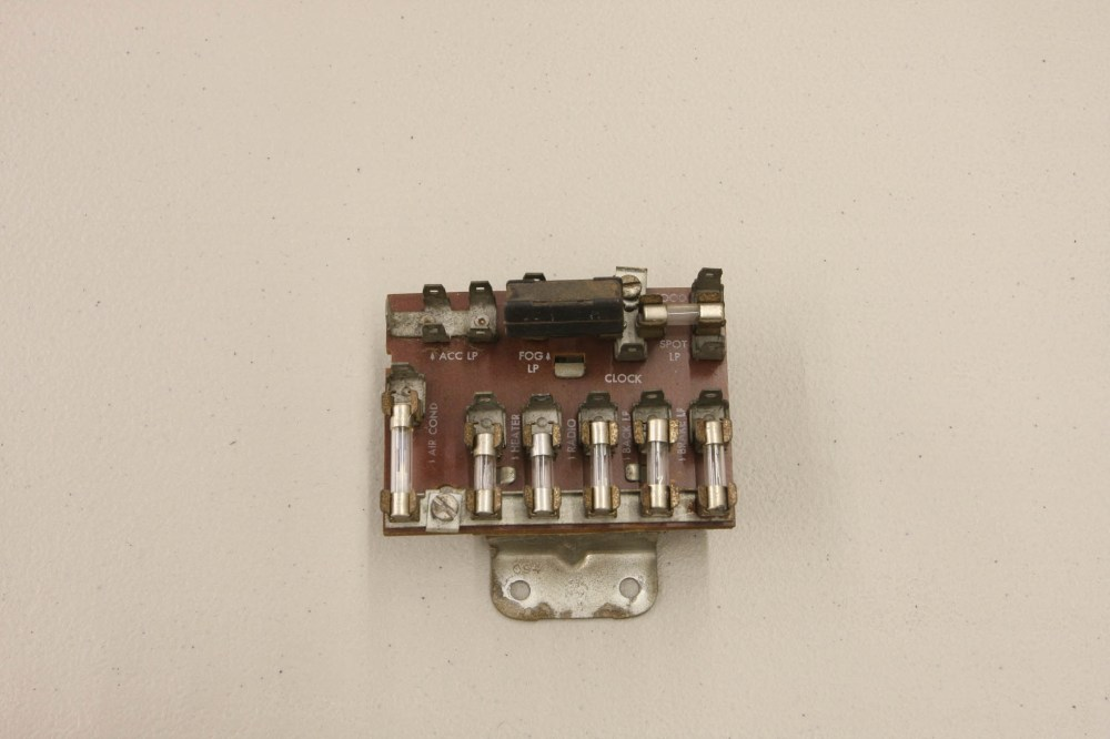 medium resolution of while it may have worked in its day the original fuse block is inadequate for