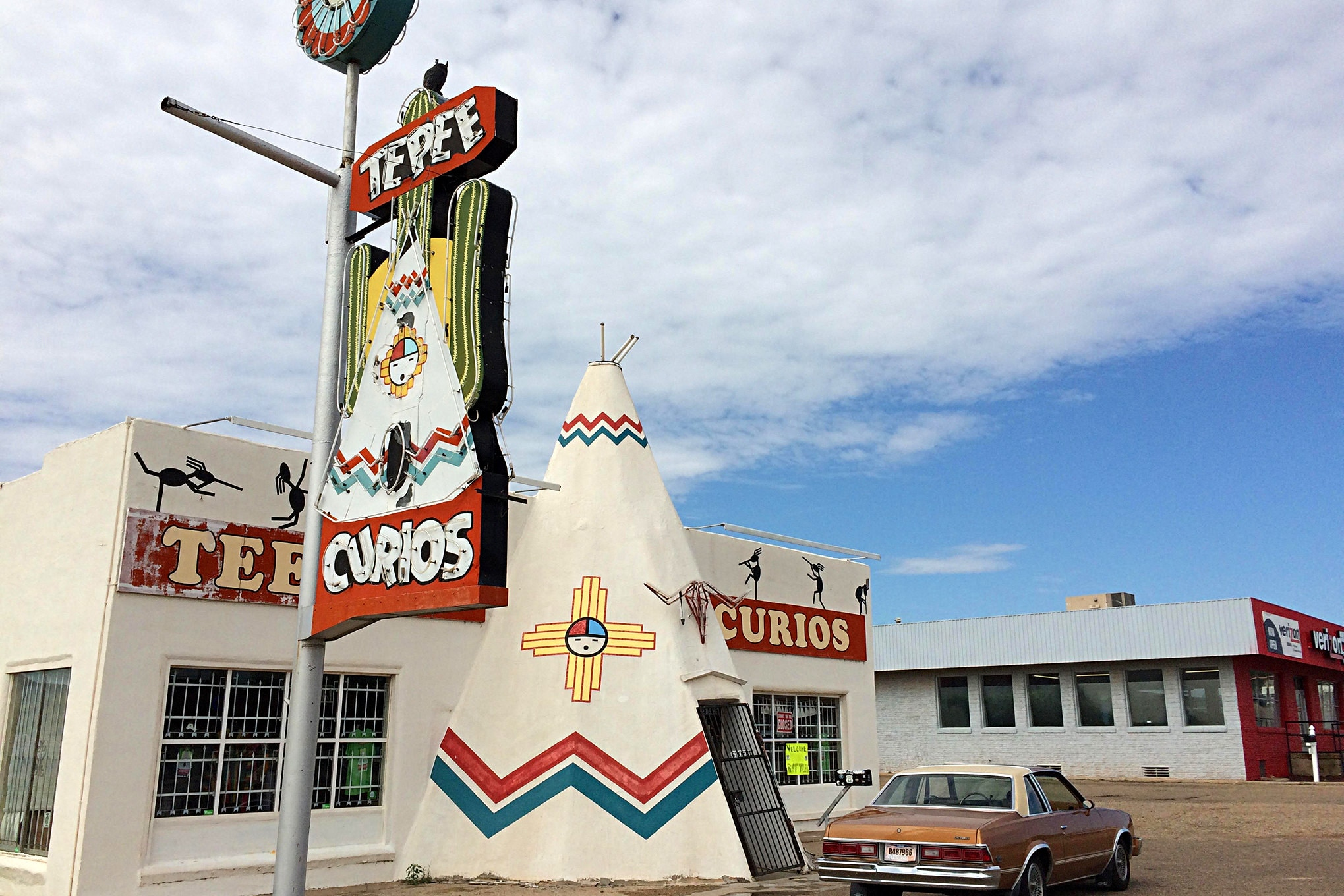 We drove through the top of Texas quickly and spent the night in Tucumcari, New Mexico, leaving early the next morning for Gallup and the Four Corners National Monument.