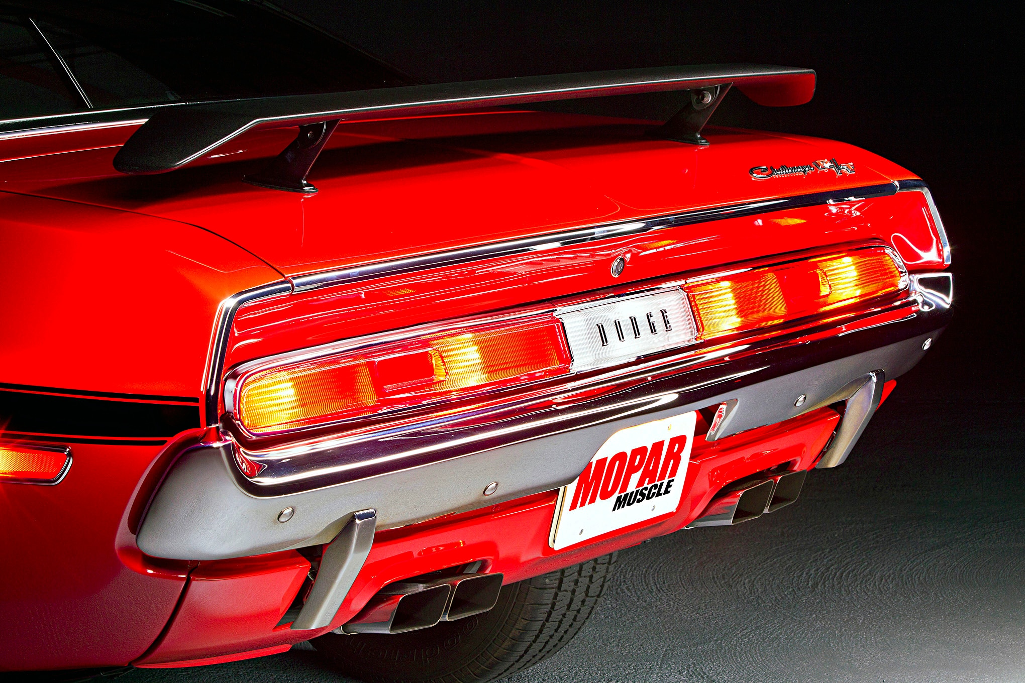 1970-dodge-chalenger-taillight-exhaust-tips-valvence-closeup