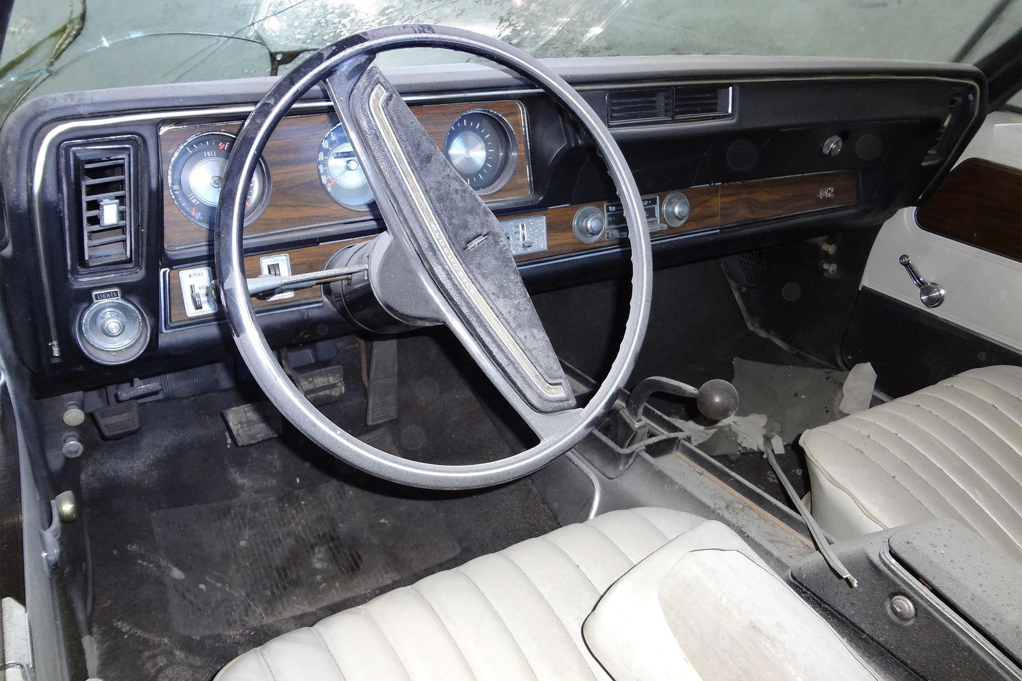 1971-oldsmobile-442-convertible-dash-view