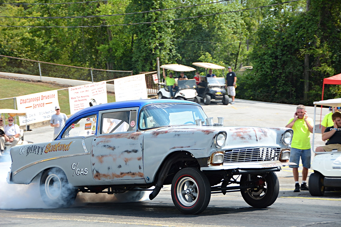 Southeast Gassers Heads Up Racing with Period Correct Race Cars