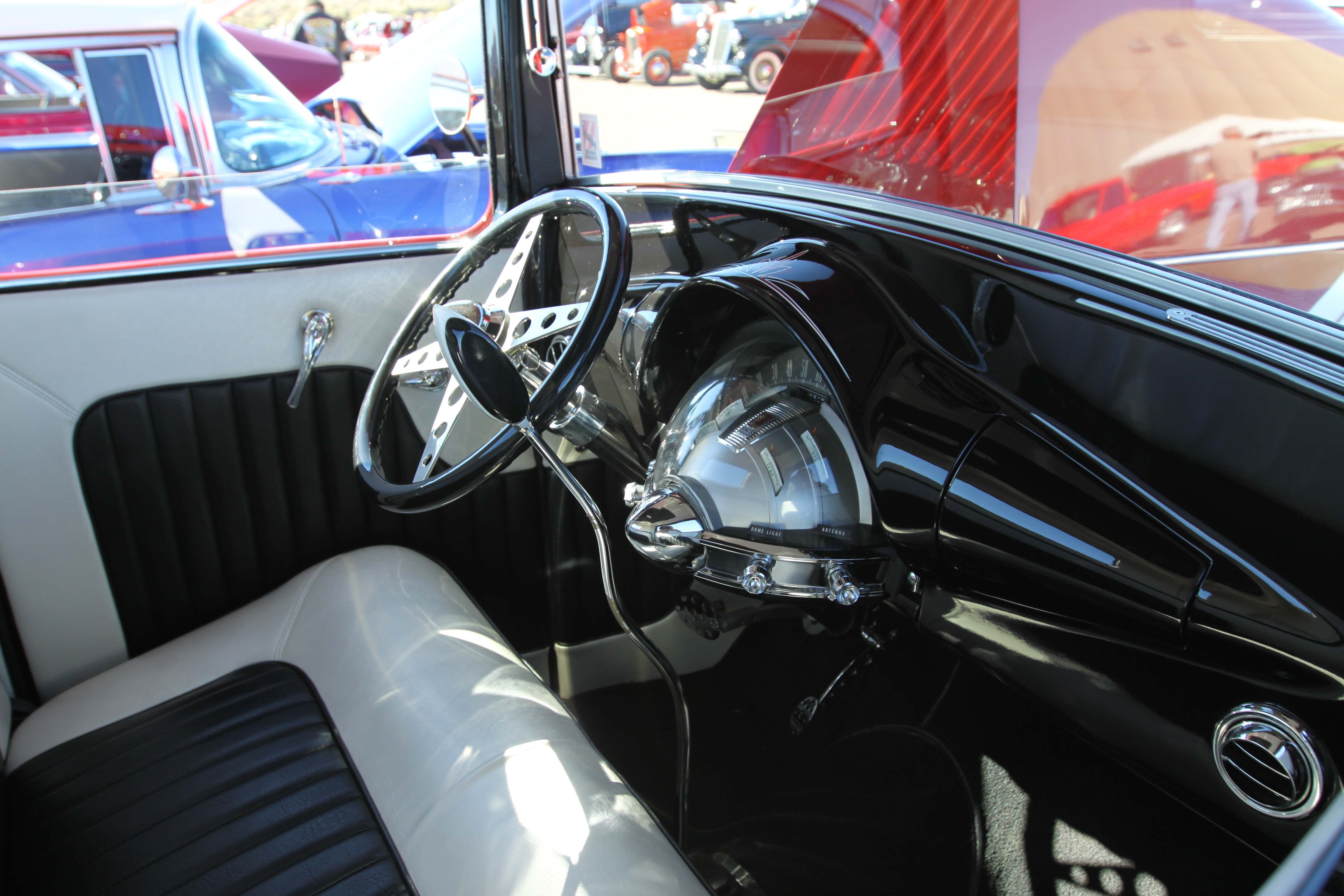1933-ford-pickup-interior