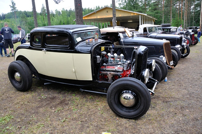 SBC: A-Bombers member Uno is one of the few with an early small-block Chevy in his '32 five-window coupe. Unusual, too, is the two-color paint job, but there might be more lettering on it when we see it next time.