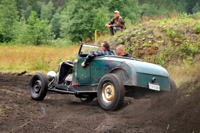 Stand on It: Jimmy Pettersson was standing on the gas pedal with his flathead-powered A roadster on a Deuce chassis.