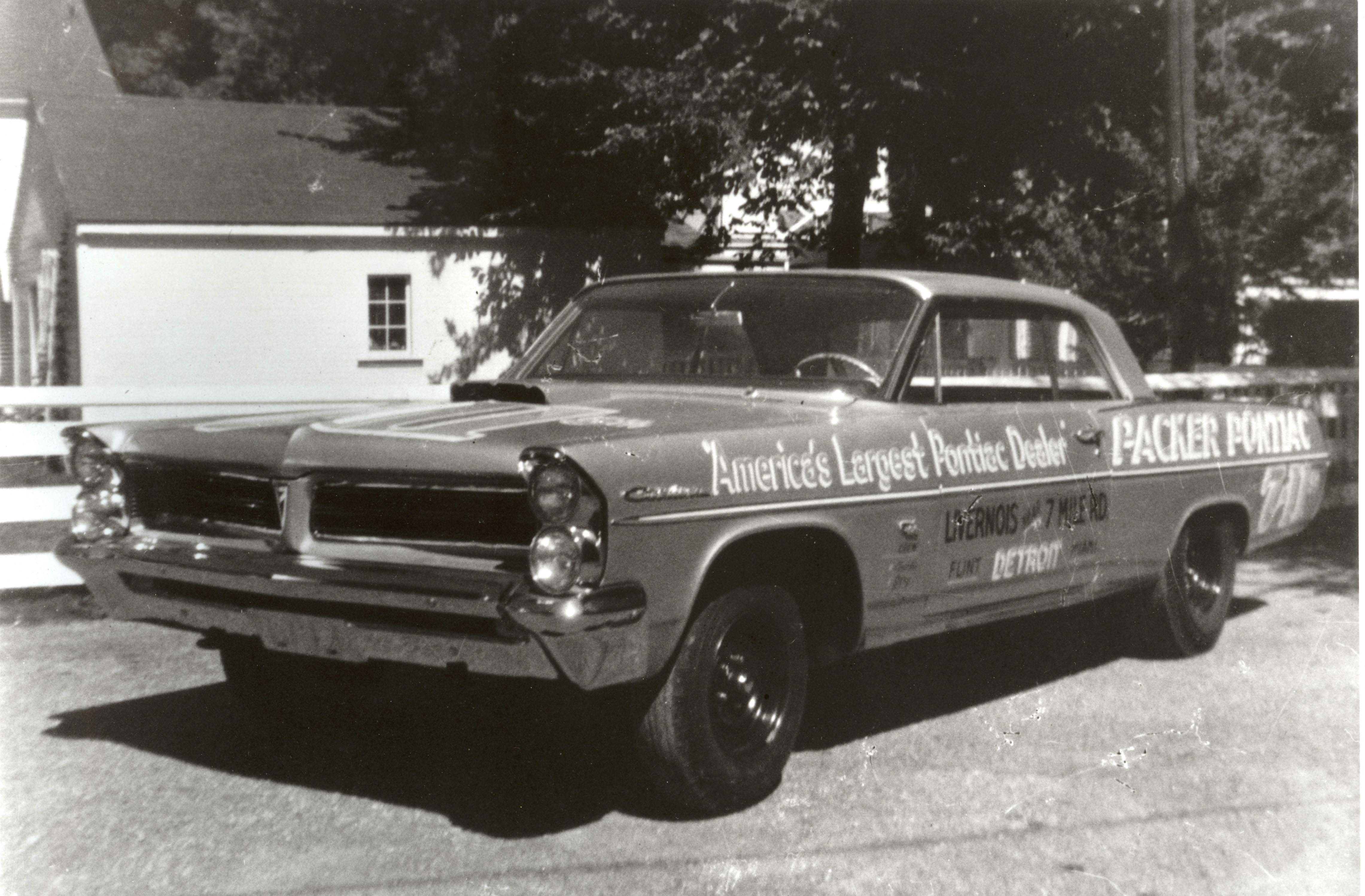 muscle-car-glossary-packer-pontiac-vintage-photo