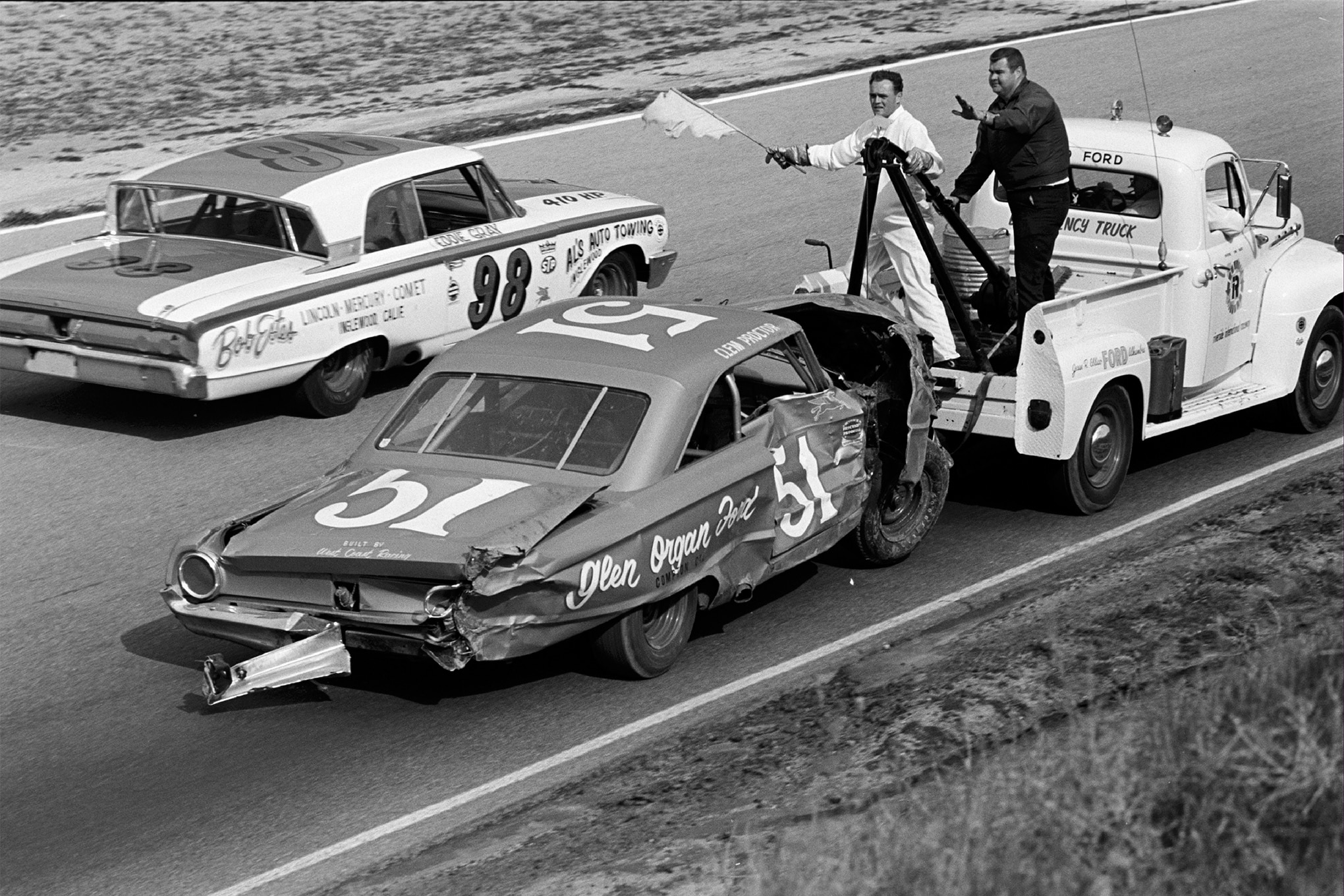 Riverside's road course was particularly tricky and treacherous for heavy stock cars. Clem Proctor's 427ci Galaxie was an early casualty of the Motor Trend 500, crashing on the 15th of 185 laps. Eddie Gray (98) ultimately advanced from 39th (of 44) qualifying position to finish 12th in Ralph Shelton's year-old Mercury.
